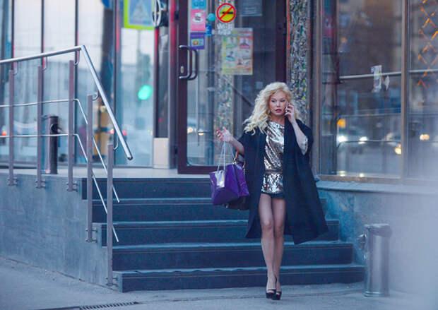 Елена Корикова провела в салоне красоты 4 часа