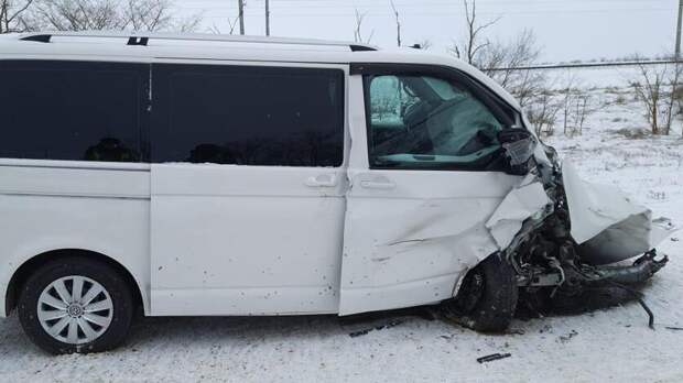 Один человек погиб идвое пострадали вДТП вРостовской области