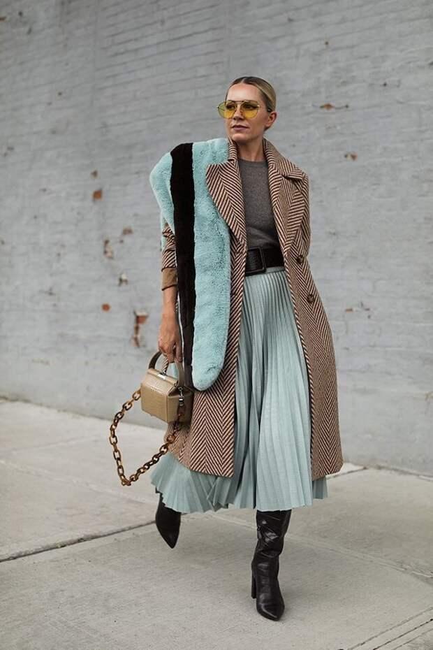 Выбор настоящих модниц: самые стильные образы с юбкой плиссе на осень