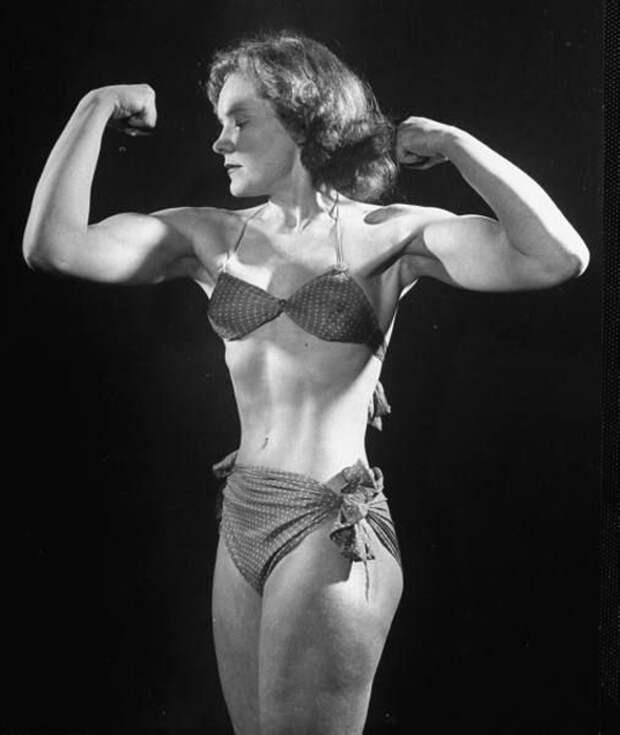 Joan Rhodes, также известная как Josie Terena.