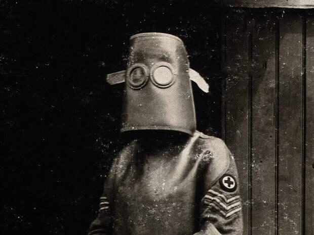 Самая пугающая, непривычная и зловещая униформа в истории