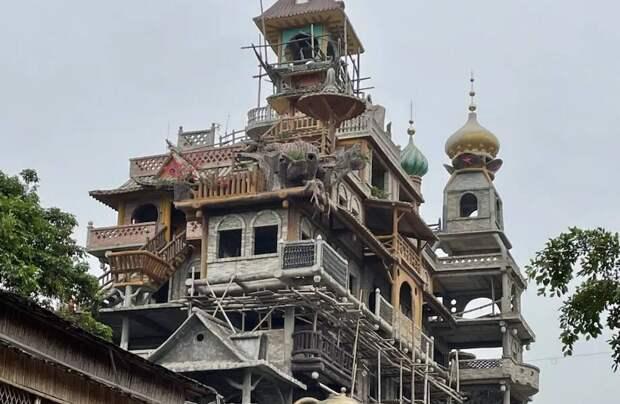 Архитектурное чудовище: зачем китаец строит самое бессмысленное здание на планете
