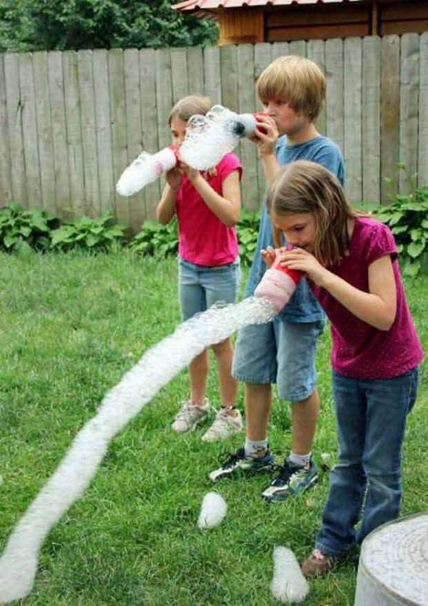 Весёлая летняя забава: радужная змея из мыльных пузырей! бутылка, пластик