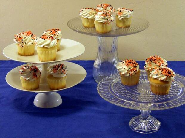 Подставки для торта и пирожных  своими руками (трафик)
