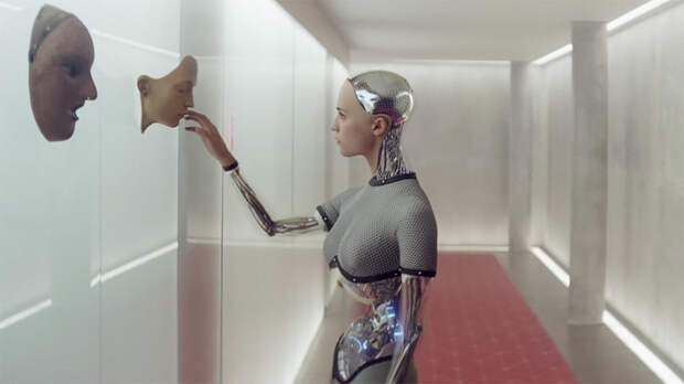 Кадр из фильма Ex Machina, главная героиня которого — обладающий сознанием робот Ава / © New York Times