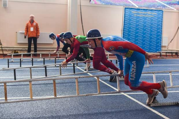 Московский НПЗ поддержал столичную команду по пожарно-спасательному спорту