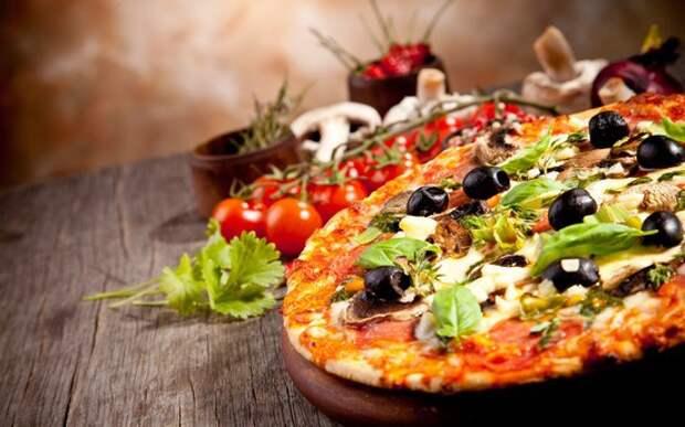 Пицца с колбасой, грибами, помидорами, начинка для колбасной пиццы