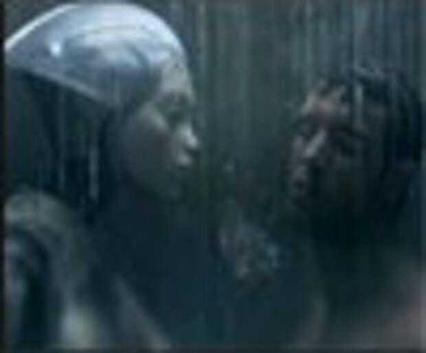 «Сексуальный» андроид в рекламе Philips