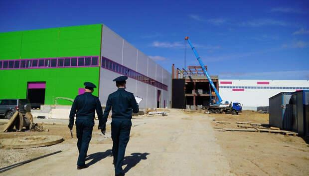 Строительство склада шло в Подольске несмотря на режим повышенной готовности