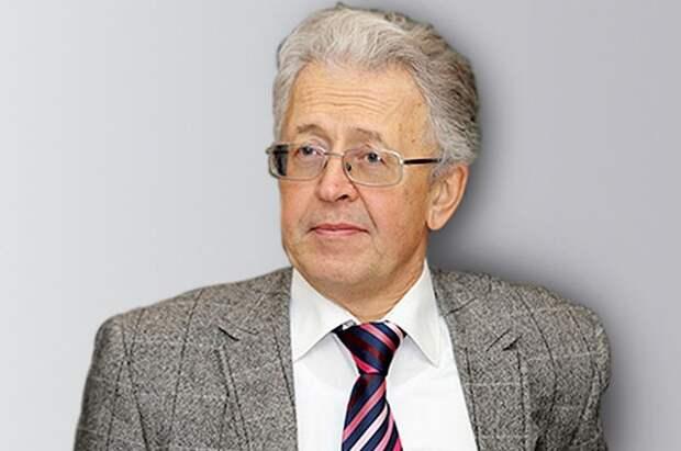 Валентин Катасонов.
