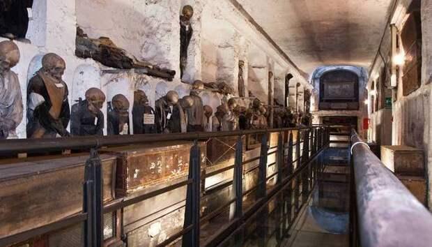 Практика мумификации на Сицилии и в Палермо.
