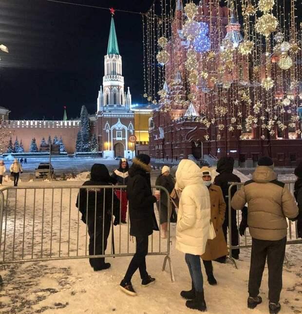 Навальный задержан. Либералы призывают к протестам. Красная площадь перекрыта
