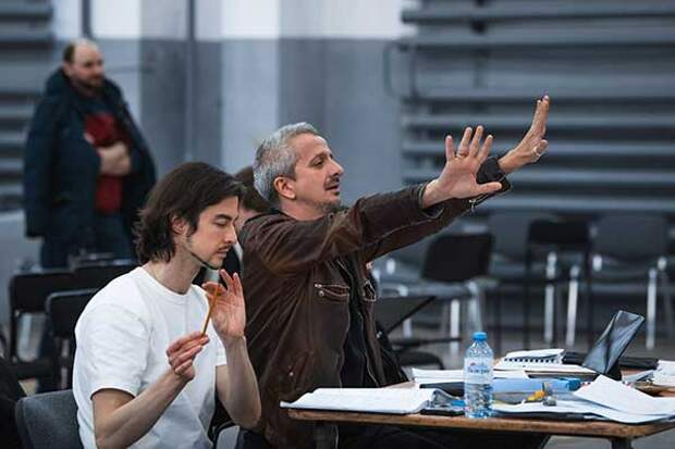 В СМИ опубликовали гонорары Константина Богомолова за постановки