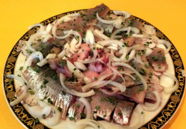 Зимние закуски из селедки: делаем на замену надоевшим салатам