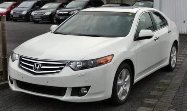 Honda Accord - стиль и экономичность.