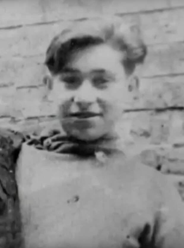 Как выглядел в молодости самый обаятельный хулиган Михаил Светин, и как сложилась его судьба