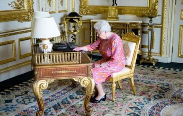 Елизавета II поблагодарила за поздравления с 90-летием через Twitter