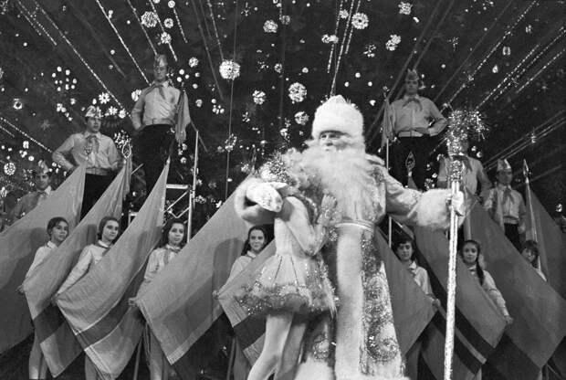 Ностальгия. Дед Мороз в СССР