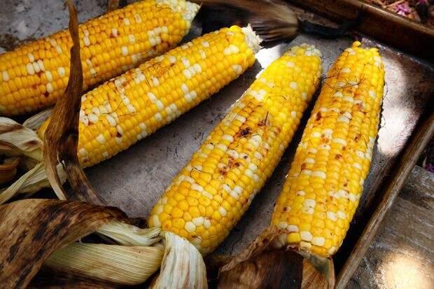 Жаренная на гриле вкусно, кукуруза, рецепт