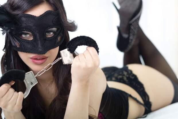 Как не заразиться ковидом во время секса. Советы главного канадского врача