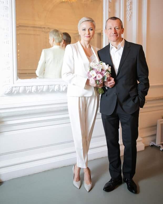 Дарья Повереннова вышла замуж за миллионера