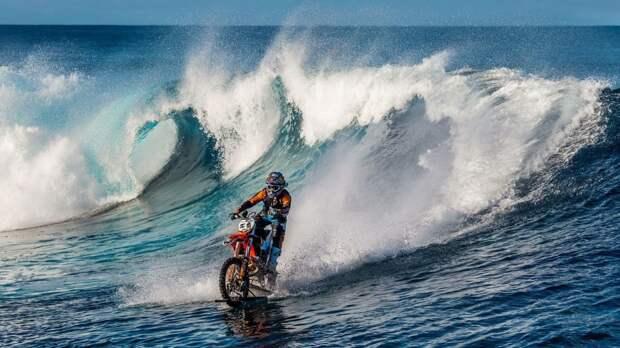 Сёрфинг на мотоцикле