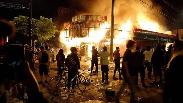 Крах политики: о чем говорят погромы в Миннеаполисе