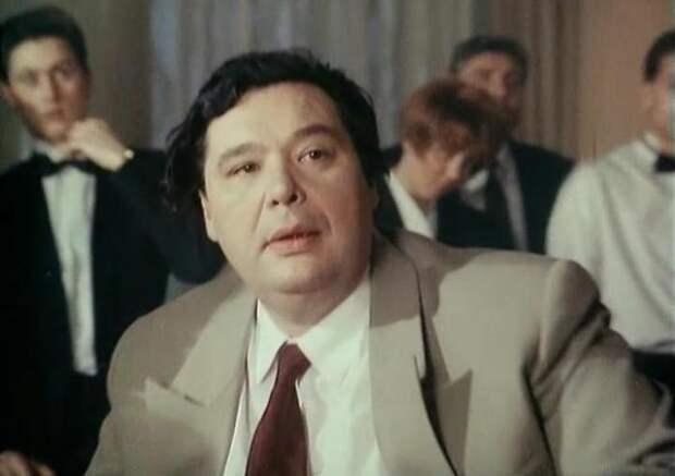 Кадр из фильма *Не стреляйте в пассажира!*, 1993 kino-teatr.ru