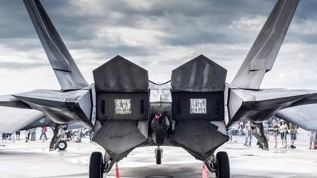 Пентагон рассчитывает получить две версии истребителя шестого поколения