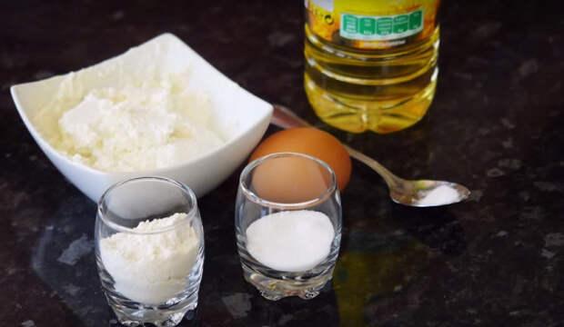 Она добавила в тесто творог. То, что получилось, приведет твои вкусовые рецепторы в экстаз!