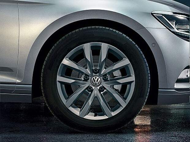 Volkswagen_Passat_SELECT_Salvador_Alloy_Wheel