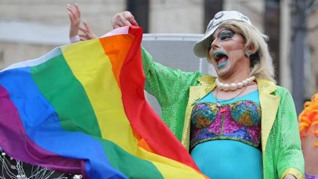 В Киеве у противников гей-парада сломаны ребра и разбиты головы