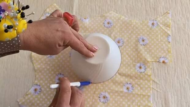 Швейно-кухонная хитрость: вам больше не придётся подбирать крышки для посуды и перекладывать продукты