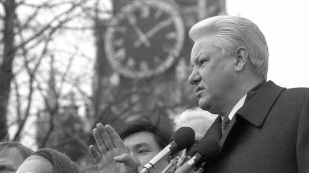 Уже открыл чемоданчик: Как Ельцин в 1995-м чуть не развязал ядерную войну