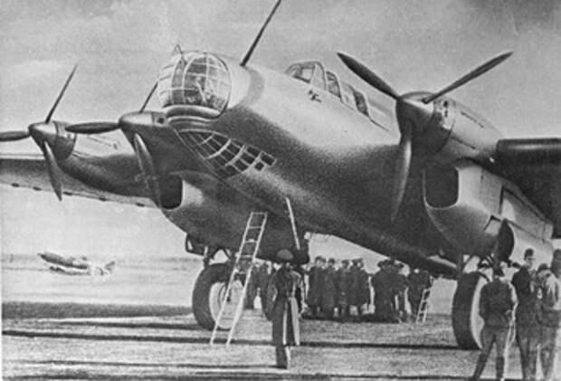 Пе-8 — лучший дальний бомбардировщик начального периода Первой мировой войны © РИА Новости, Анатолий Сергеев-Васильев