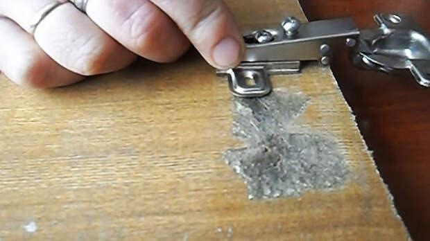 Ремонт вырванной мебельной дверцы из ДСП и МДФ