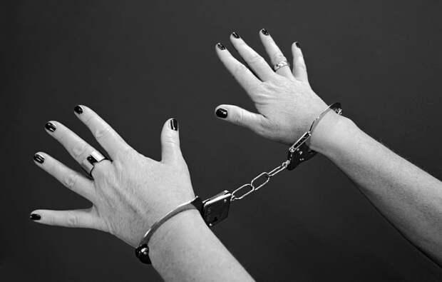 На Братиславской задержали хозяйку подпольного борделя,