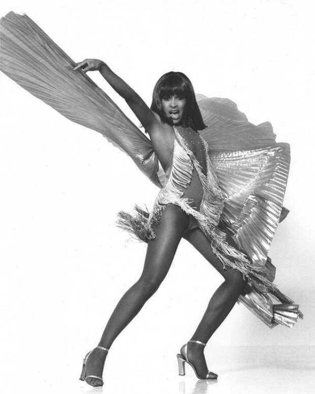 «Королева рок-н-ролла»: 20 редких фотографий Тины Тернер, которой восхищаются миллионы