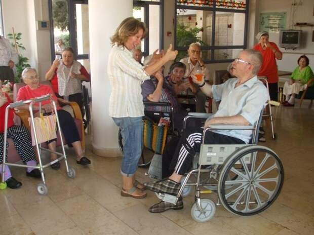 Дома престарелых в разных странах. Каково там жить?