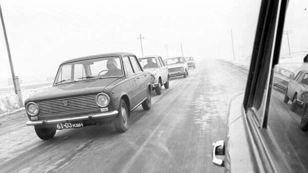 Какой автомобиль лучше - Москвич 412 или ВАЗ 2101?