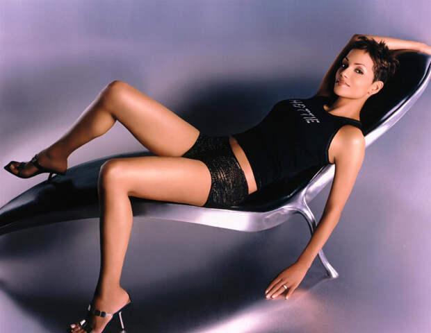 Холли Берри (Halle Berry) в фотосессии Антуана Вергла (Antoine Verglas) для журнала Maxim (июль 2000), фото 9