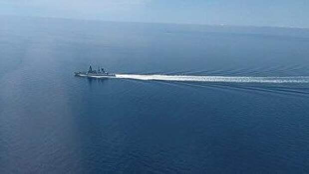 Читатели Daily Mail: надо бы за эту историю с эсминцем отправить русских опять в очередь за едой