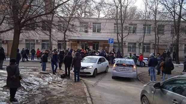 Очередь навходе всуд образовалась вРостове перед оглашением приговора Шевченко