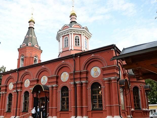 Храм Бориса и Глеба в Дегунине сложили из 360 тысяч кирпичей