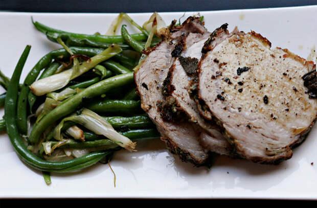 Достали 2 кило вырезки свинины: готовим целым куском на все выходные