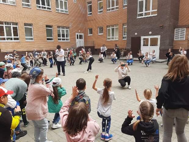 Министр образования Удмуртии: сокращения надбавок педагогам в ущерб оклада не будет