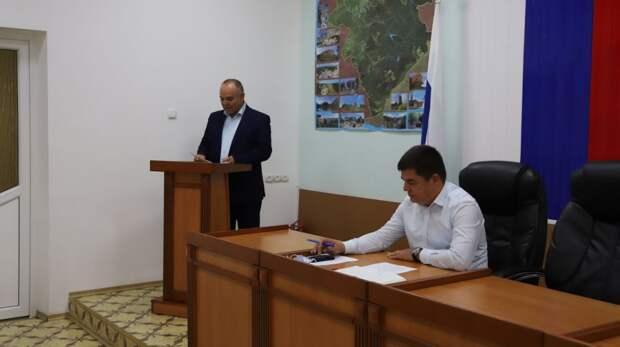 Об итогах проведения курортного сезона 2021 г. на территории Бахчисарайского района доложил Николай Бир