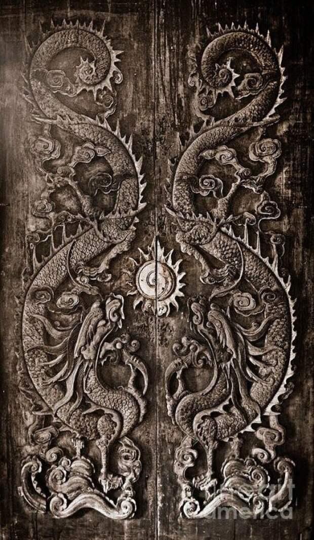 Даже дверь может быть произведением искусства.