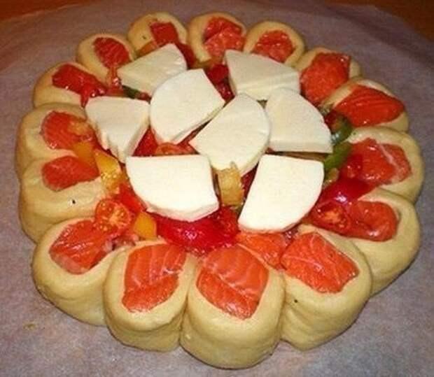Красивый рыбный пирог