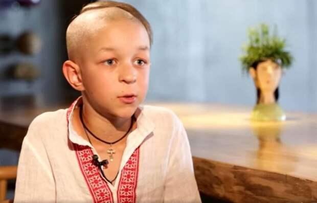«Это д*рьмо, меня просто разрывает»: украинское геббельс-ТВ показало малолетнего «патрiота» (ВИДЕО)
